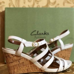 Clark's Artisan Kyna Wise white wedges